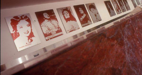 12 photograve- myers badges